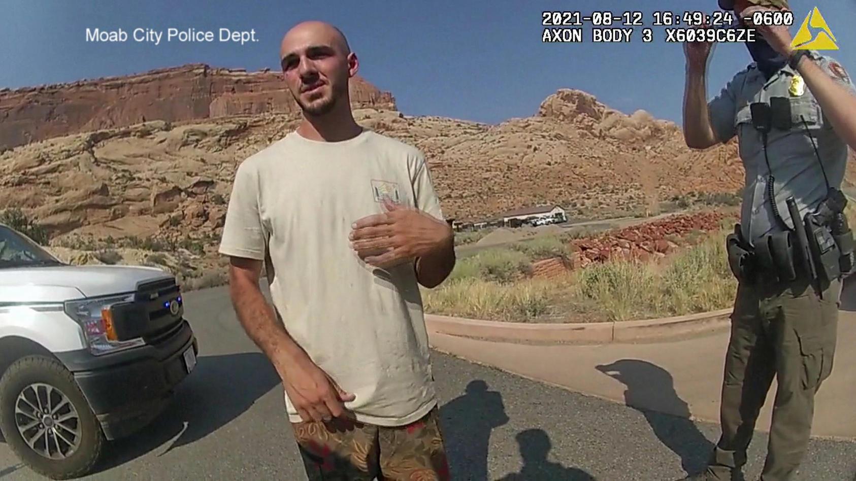 Die Polizei hat Bodycam-Aufnahmen von Brian Laundrie veröffentlicht.