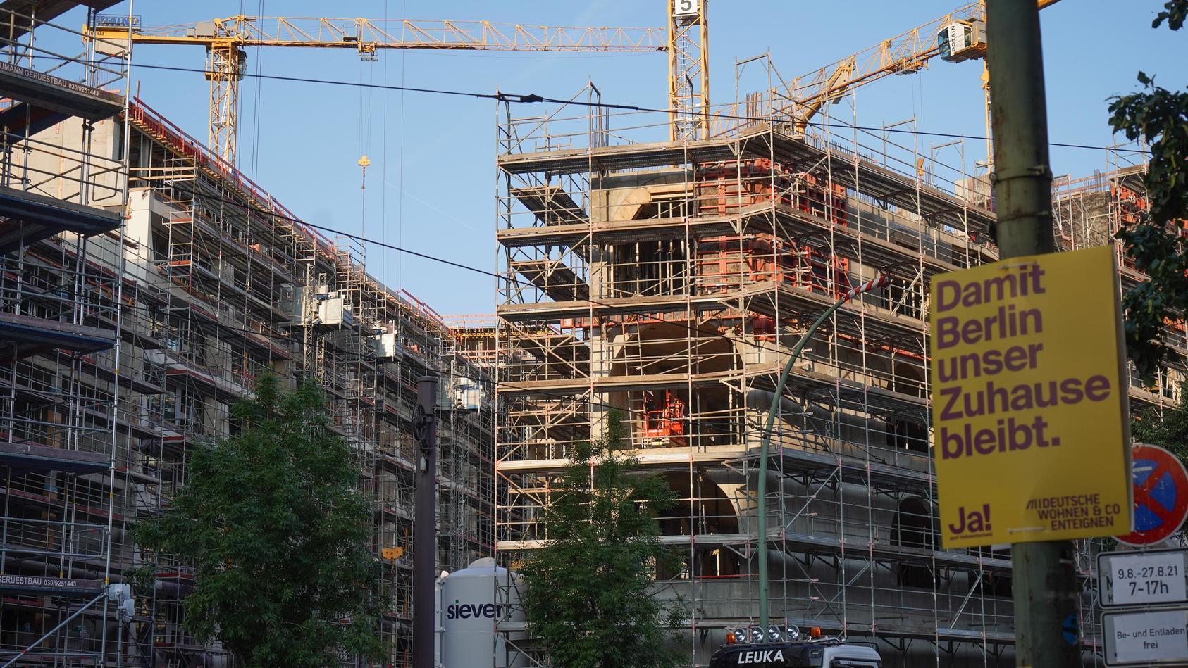 Ein Teil der Wohnungen in Berlin gehört jetzt der Stadt selber.