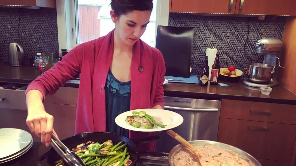 Nicole Allard beim kochen