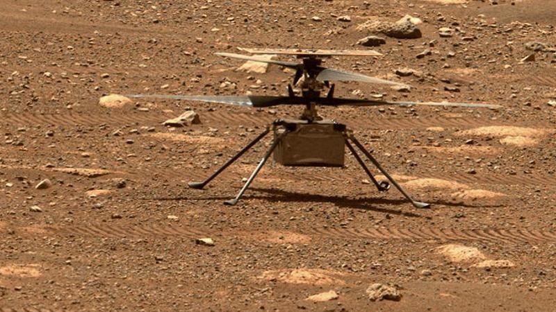 """Der Mars-Hubschrauber """"Ingenuity"""" muss seine Rotorblätter künftig noch schneller drehen - die Luft wird dünner. Foto: NASA/JPL-Caltech/dpa"""