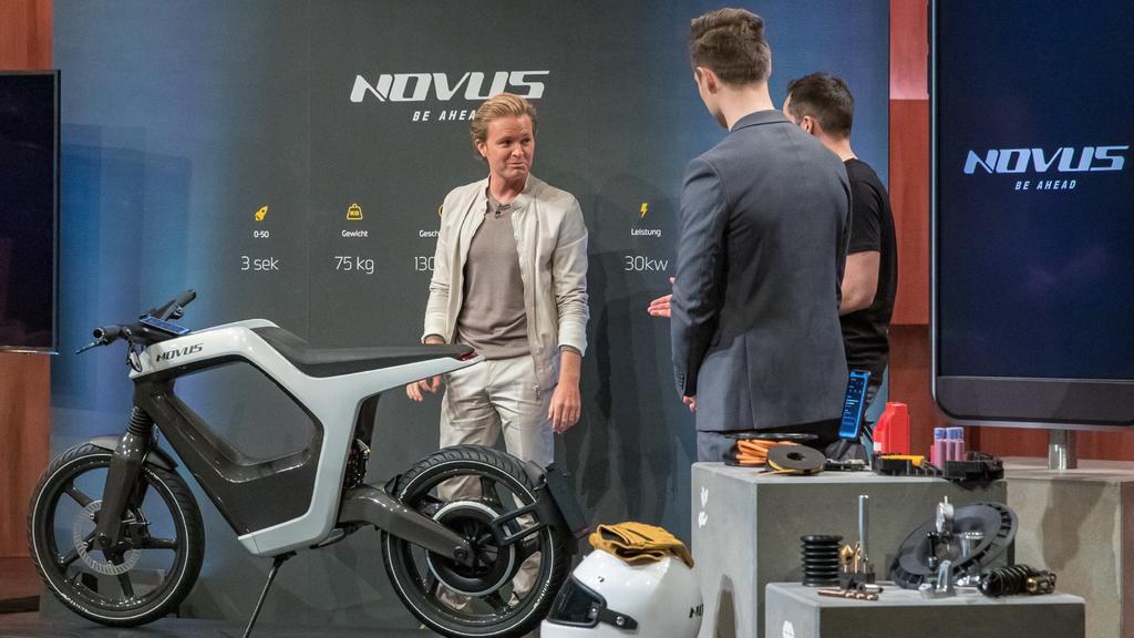"Nico Rosberg fühlt den ""NOVUS""-Gründern René  Marcus auf den Zahn"