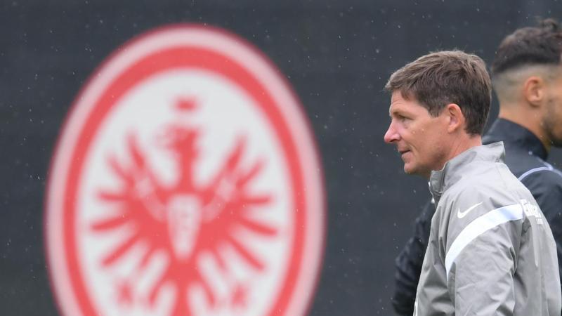 Frankfurts Cheftrainer Oliver Glasner. Foto: Arne Dedert/dpa/Archivbild