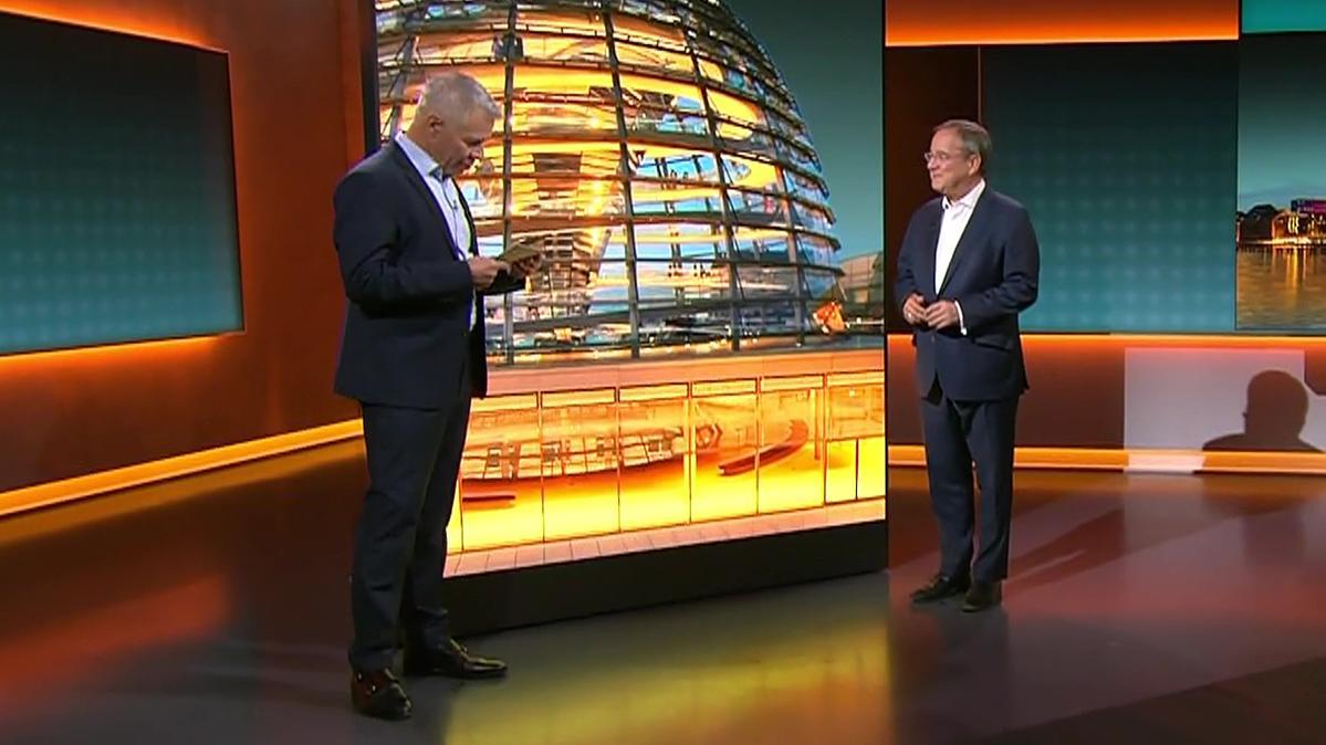 CDU-Kanzlerkandidat Armin Laschet stellt sich den Fragen der Zuschauer, moderiert von Peter Kloeppel.