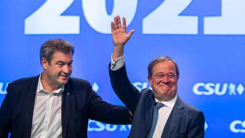 CSU-Parteivorsitzender Markus Söder und Unions-Kanzlerkandidat Armin Laschet demonstrieren Einigkeit. Foto: Peter Kneffel/dpa/Archivbild