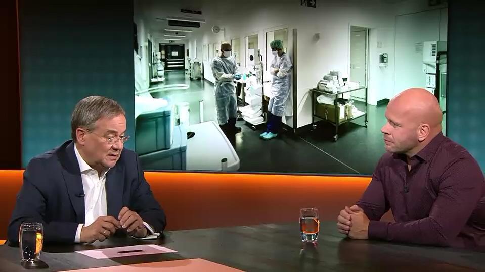 Armin Laschet im Gespräch mit Ricardo Lange