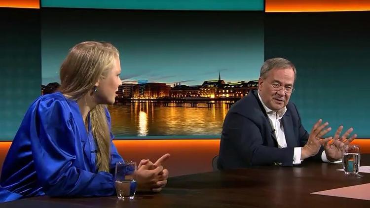 """Im RTL-Sendung """"Am Tisch mit..."""" - Studentin legt sich mit Laschet an"""