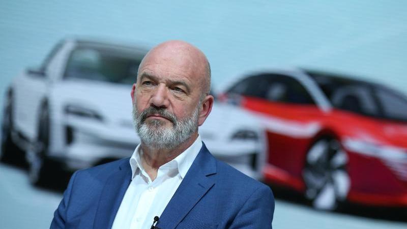 Der damalige Betriebsratschef Bernd Osterloh in der Zentrale der Volkswagen AG in Wolfsburg. Foto: Ronny Hartmann/dpa-Zentralbild/dpa/Archivbild