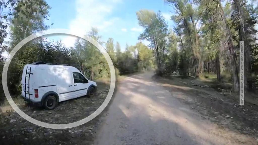 Screenshot aus dem Video, dass die Polizei auf die Spur der Leiche brachte, bei der er sich mutmaßlich um die 22 Jahre alte Gabby Petito handelt. Links ist der weiße Van zu sehen, mit dem Gabby und ihr Verlobter unterwegs waren.
