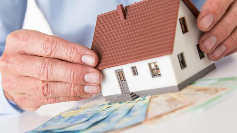 Wohn-Riester unterliegt der nachgelagerten Besteuerung. Das heißt: Die Förderung muss im Alter versteuert werden. Foto: Christin Klose/dpa-tmn