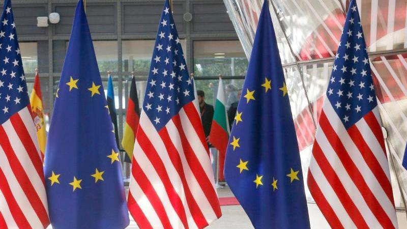Das Verhältnis zwischen der EU und den USA wird durch den geplatzten U-Boot-Deal belastet. Foto: Nicolas Maeterlinck/BELGA/dpa