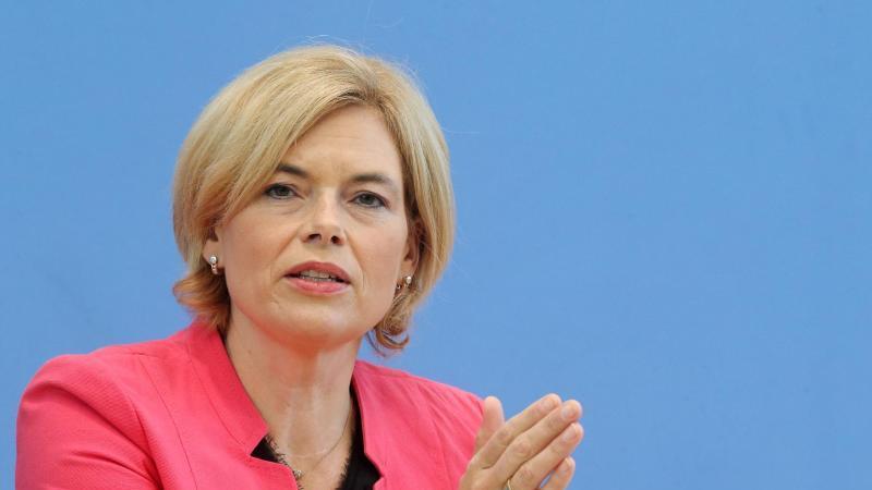 Julia Klöckner (CDU), Bundesministerin für Ernährung und Landwirtschaft, spricht. Foto: Wolfgang Kumm/dpa