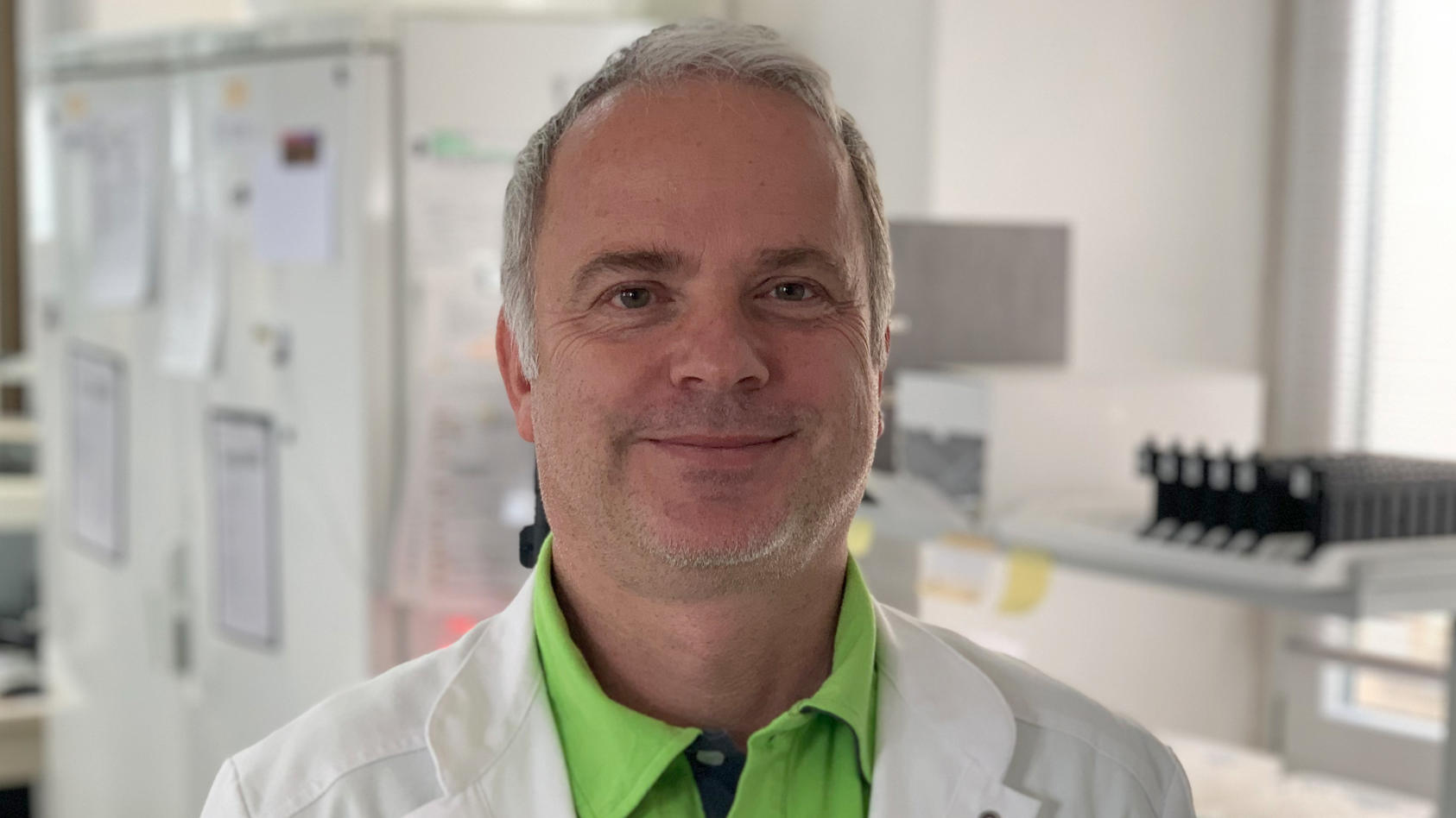 Virologe Dr. Martin Stürmer will, dass der Bogen mit  2G-Konzepten nicht überspannt wird.