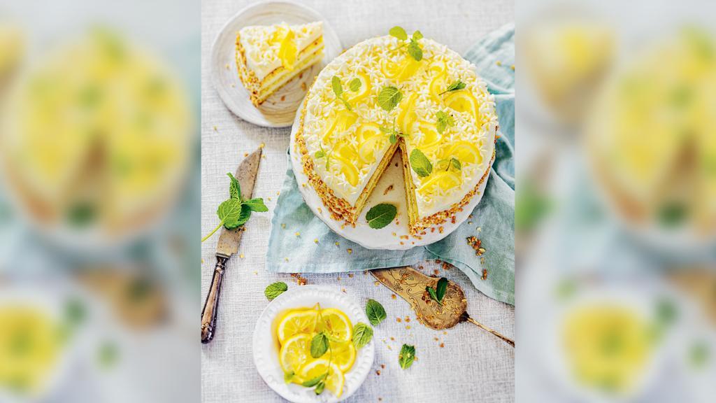 Die glutenfreie Zitronen-Nuss-Torte von Bloggerin Tanja Gruber.