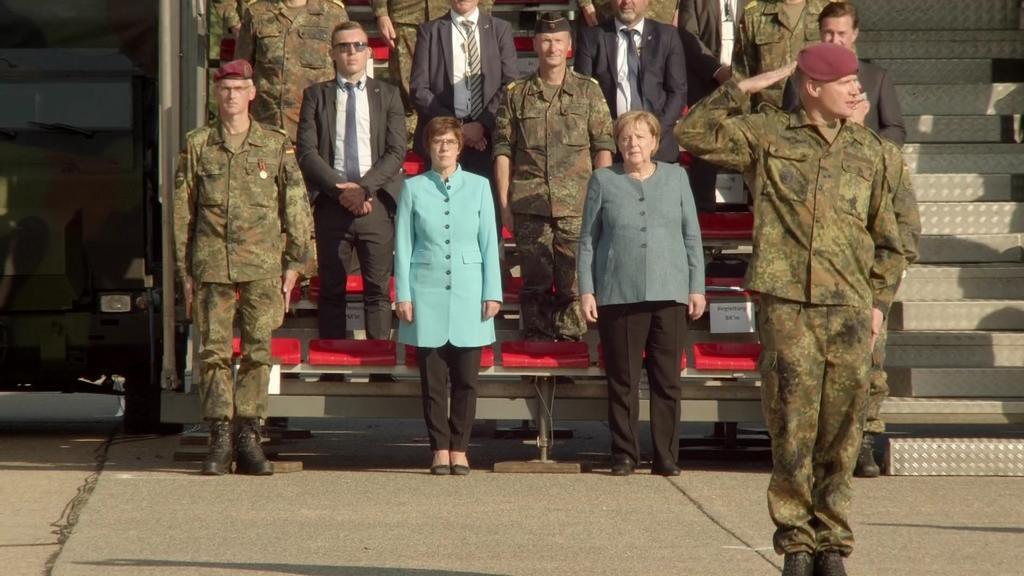Verteidigungsministerin Kramp-Karrenbauer und Kanzlerin Merkel lobten den Einsatz der Soldaten.