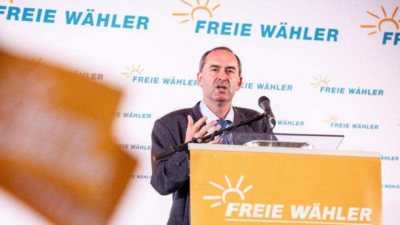 Hubert Aiwanger, Wirtschaftsminister und Landesvorsitzender der Freien Wähler in Bayern, spricht. Foto: Matthias Balk/dpa