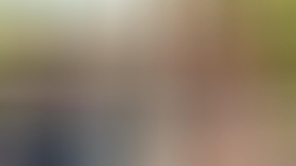 """""""Käthe und ich: Das Adoptivkind"""": Paul Winter (Christoph Schechinger, l.) versucht mit Hilfe von Hund Käthe Zugang zu Ben (Oskar Netzel) zu finden."""