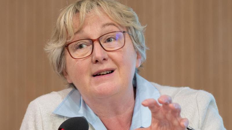 Theresia Bauer (Bündnis 90/Die Grünen)spricht. Foto: Bernd Weißbrod/dpa/Archivbild