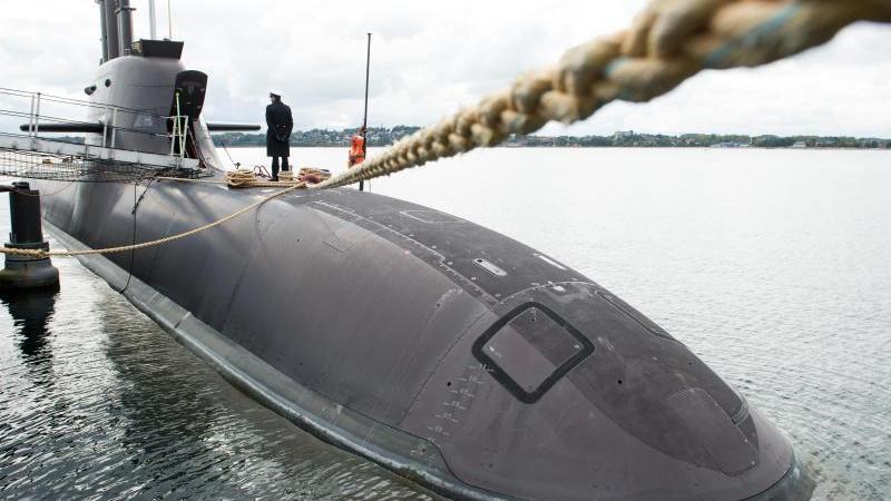 """Das U-Boot """"U36"""" der Klasse U212A wird in Eckernförde (Schleswig-Holstein) im Rahmen eines Festaktes in den Dienst gestellt. Foto: picture alliance / Daniel Reinhardt/dpa"""
