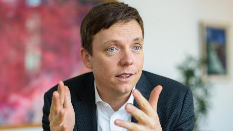 Tobias Hans (CDU) spricht. Foto: Oliver Dietze/dpa/Archivbild