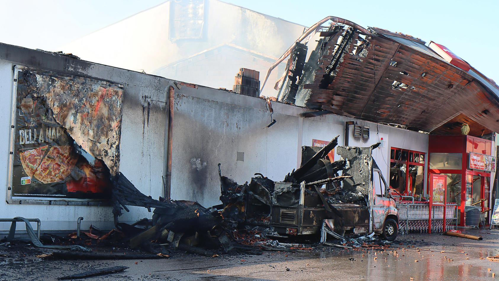 Großbrand in Penny-Supermarkt