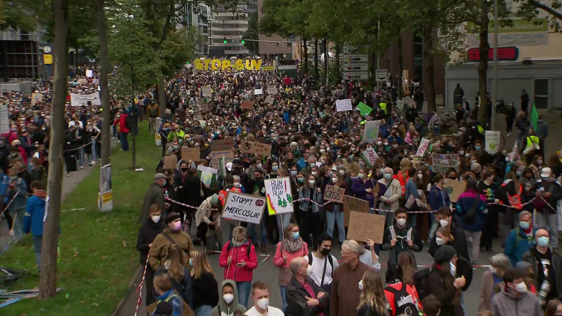 FFF-Klimademos im Norden - Jan Delay unterstützt tausende Schüler