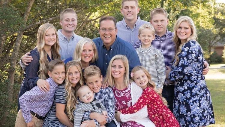 Kein Beatmungsgerät mehr frei - Vater von 12 Kindern stirbt an Corona