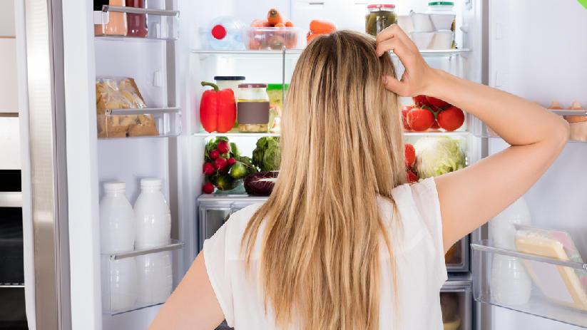 Der Kühlschrank sollte regelmäßig gereinigt werden.
