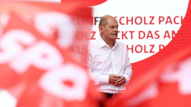Olaf Scholz, Finanzminister und SPD-Kanzlerkandidat, spricht. Foto: Rolf Vennenbernd/dpa/Archivbild