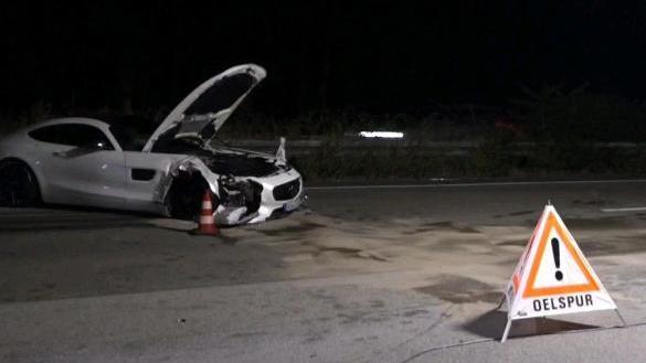 Der Mercedes-Fahrer blieb bei dem Auffahrunfall zwischen dem Viernheimer Dreieck und der Raststätte Lorsch-Ost (im Landkreis Bergstraße) unverletzt.
