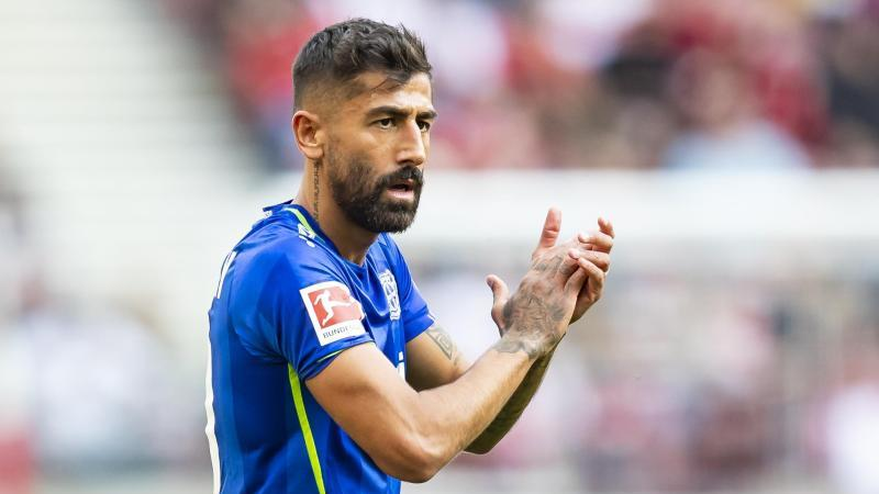 Leverkusens Kerem Demirbay reagiert im Spiel. Foto: Tom Weller/dpa