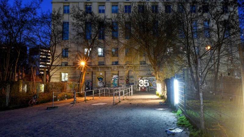 Der Eingangsbereich zum Club Berghain. Foto: Britta Pedersen/dpa-Zentralbild/dpa