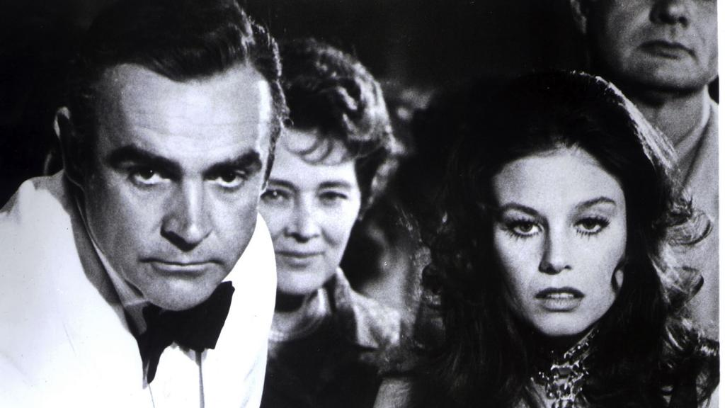 """Sean Connery und Jill St John in """"Diamonds Are Forever"""""""