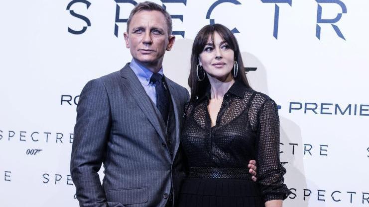 """Daniel Craig mit  Monica Bellucci bei der """"Spectre""""-Premiere in Rom"""