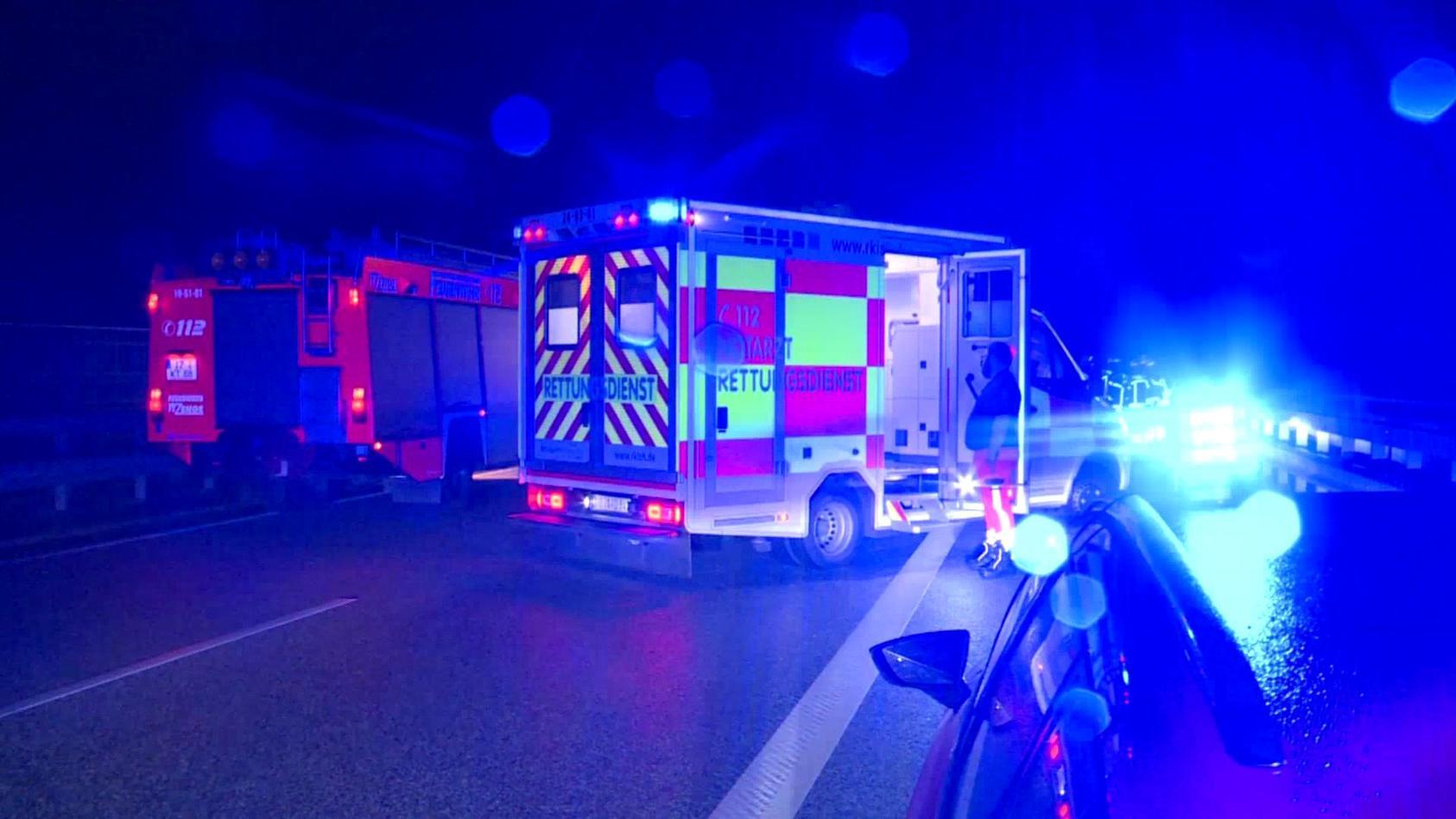 Am Unfallort konnte nur noch der Tod des 58-Jährigen aus dem Raum Itzehoe festgestellt werden.