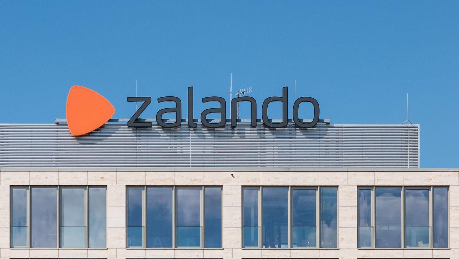 Berlin Wirtschaft Zalando Logo der Online Versandhandelsfirma Zalando in Berlin 23 6 2019 Berlin *