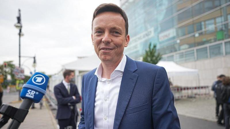 Saarland-Ministerpräsident Tobias Hans kündigt Lockerungen für sein Bundesland an.