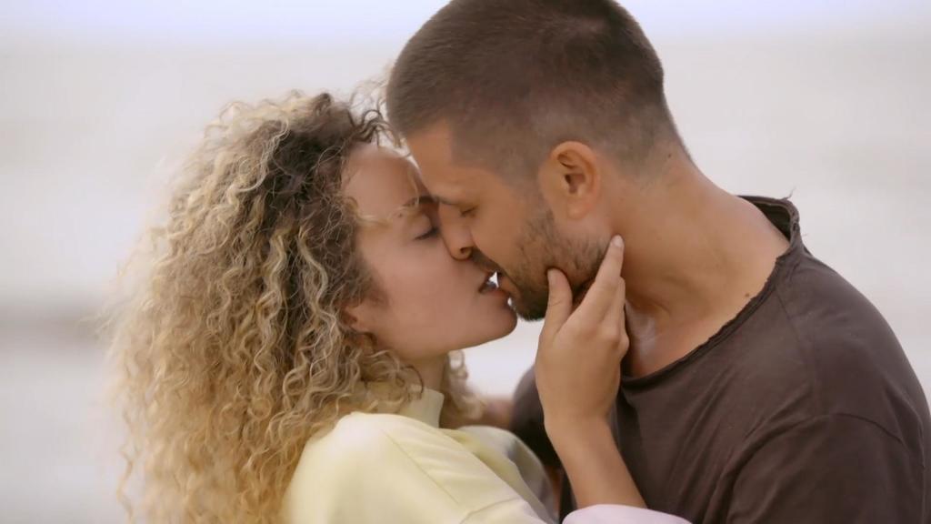 Nika und Paco spüren, dass sie füreinander bestimmt sind.