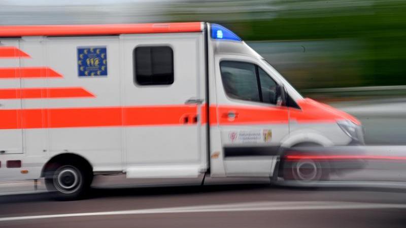In Hamburg mussten zwei Kinder nach einem Unfall ins Krankenhaus. (Symbolbild)