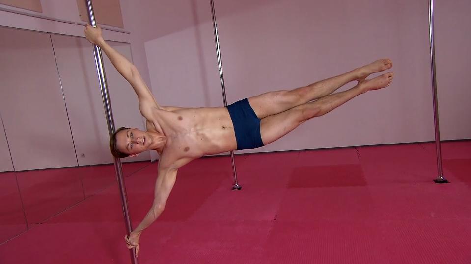 tanz-an-der-stange-simon-koch-ist-poledance-meister