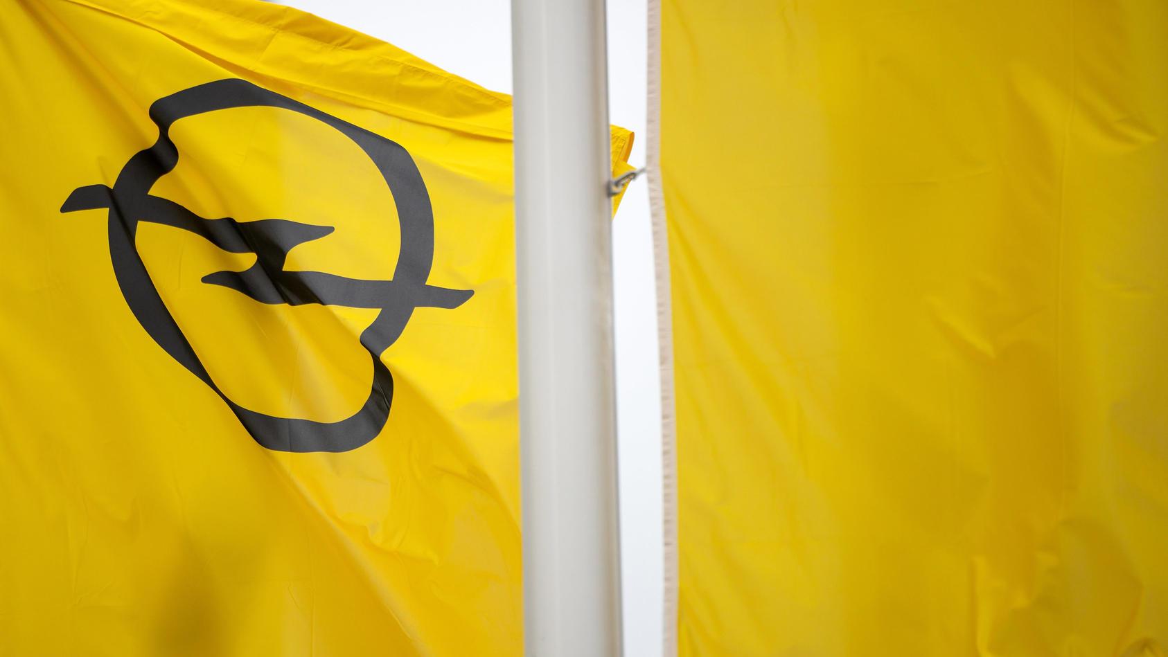 Opel-Mitarbeiter sollen sich nach einem neuen Job umschauen.
