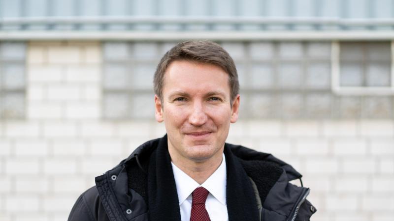 Patrick Sensburg (CDU), Mitglied des Bundestags, schaut in die Kamera. Foto: Jonas Güttler/dpa
