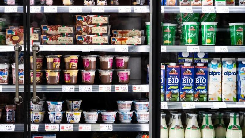 wo-geht-es-hier-zu-den-probiotischen-milchprodukten-viele-produktbeschreibungen-sind-schwerverstandlich-foto-sven-hoppedpa