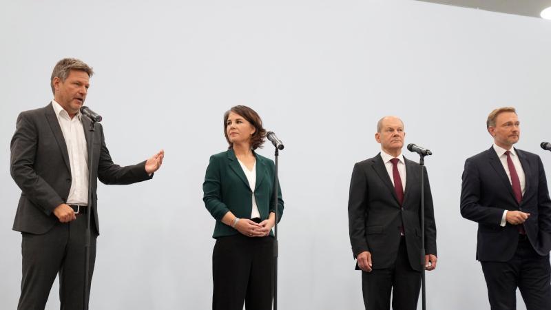 spd-grune-und-die-fdp-gehen-nun-in-koalitionsverhandlungen-bis-weihnachten-soll-moglichst-eine-regierung-stehen