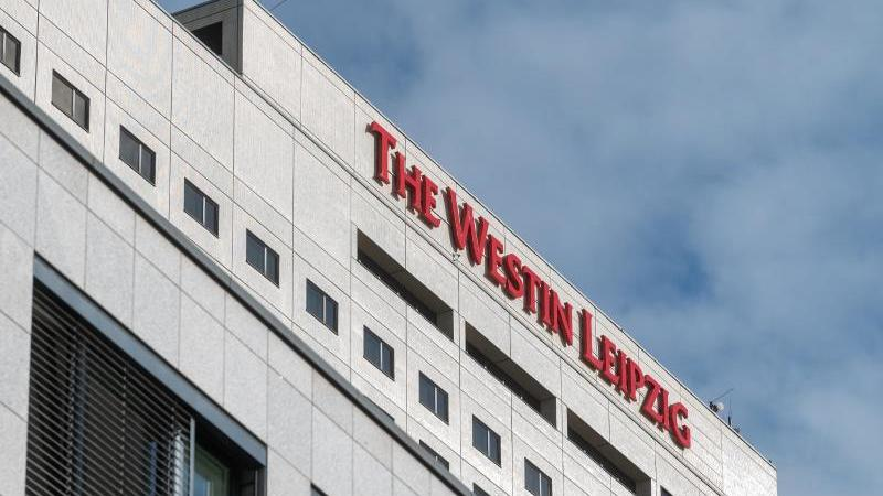 hotel-westin-leipzig-der-staatsanwaltschaft-leipzig-liegen-mehrere-anzeigen-zu-dem-vorfall-vor-auch-von-dem-beschuldigten-hotelmitarbeiter-wegen-verleumdung-foto-hendrik-schmidtdpa