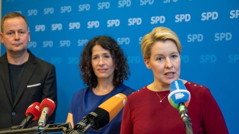 spd-landesvorsitzende-franziska-giffey-r-grunen-spitzenkandidatin-bettina-jarasch-und-kultursenator-klaus-lederer-die-linke-foto-monika-skolimowskadpa-zentralbilddpaarchivbild