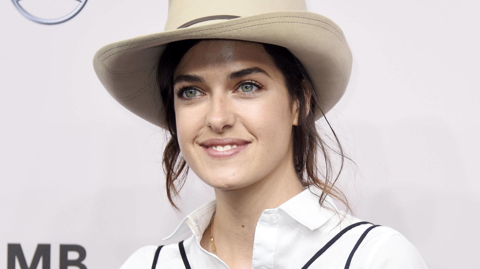 marie-nasemann-bei-der-neonyt-fashion-show-im-rahmen-der-berlin-fashion-week-2020