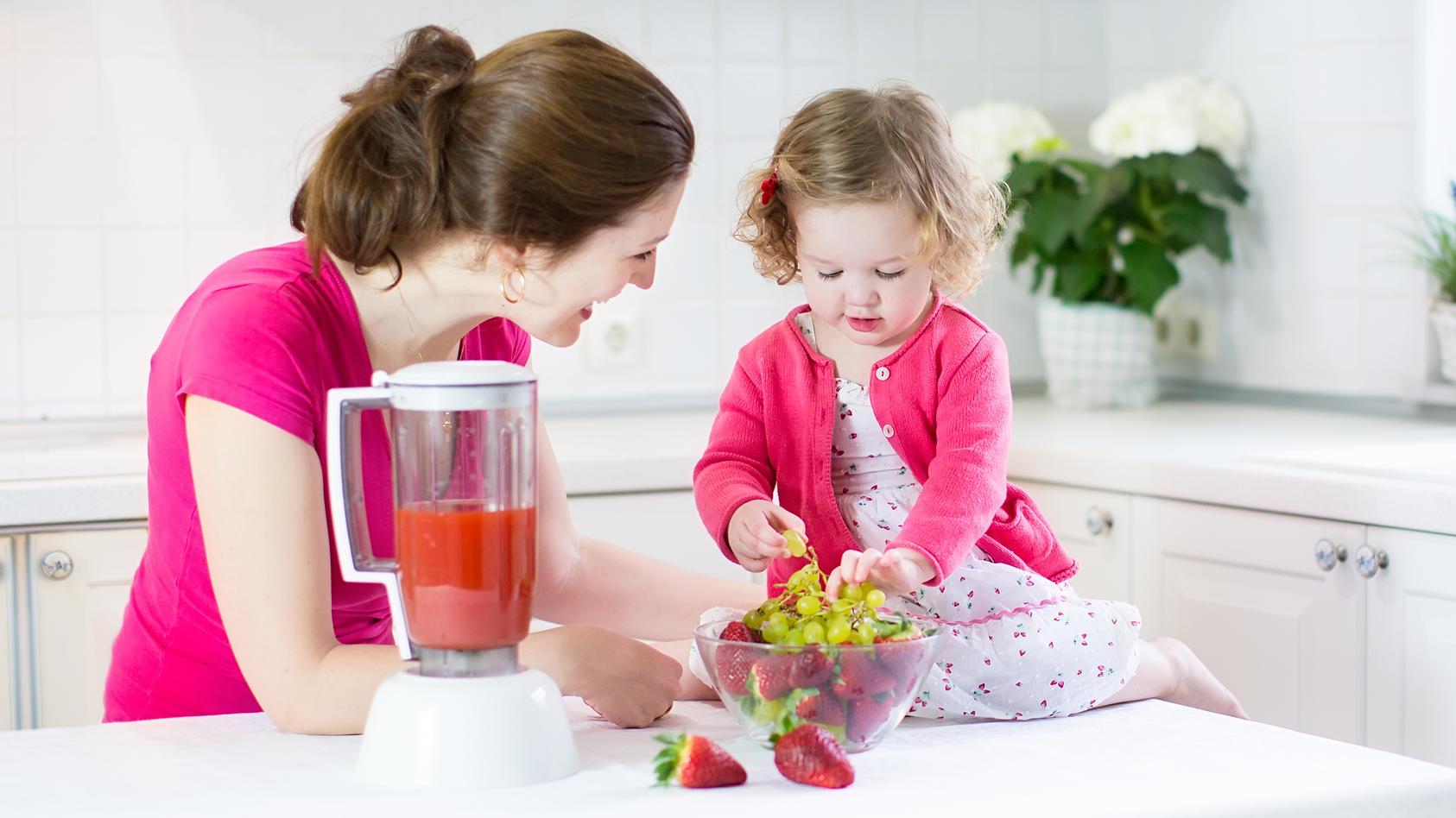 symbolbild-kindern-mussen-fruh-zur-gesunden-ernahrung-erzogen-werden