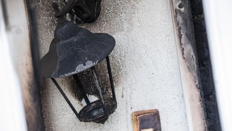 in-dem-haus-in-gro-ludershagen-bei-stralsund-ist-es-zu-einer-explosion-gekommen-foto-stefan-sauerdpaarchivbild