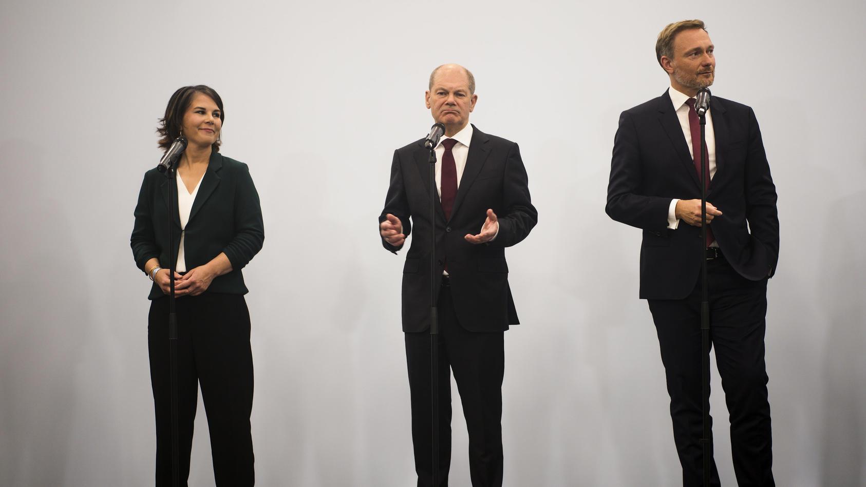 22-prozent-trauen-aktuell-der-spd-zu-mit-den-problemen-in-deutschland-am-besten-fertig-werden-zu-konnen-der-union-hingegen-nur-noch-7-prozent-aktuell-trauen-somit-weniger-bundesburger-der-union-politische-kompetenz-zu-als-der-fdp-oder-den-grunen