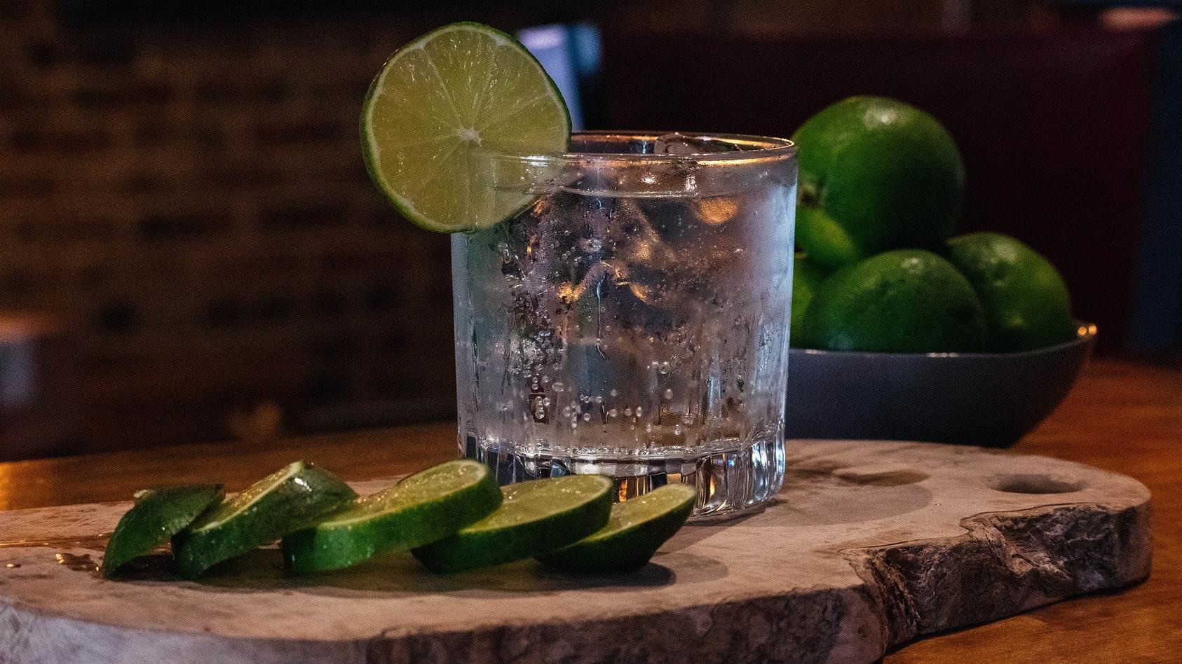 heute-wird-das-beliebte-getrank-gin-tonic-gefeiert